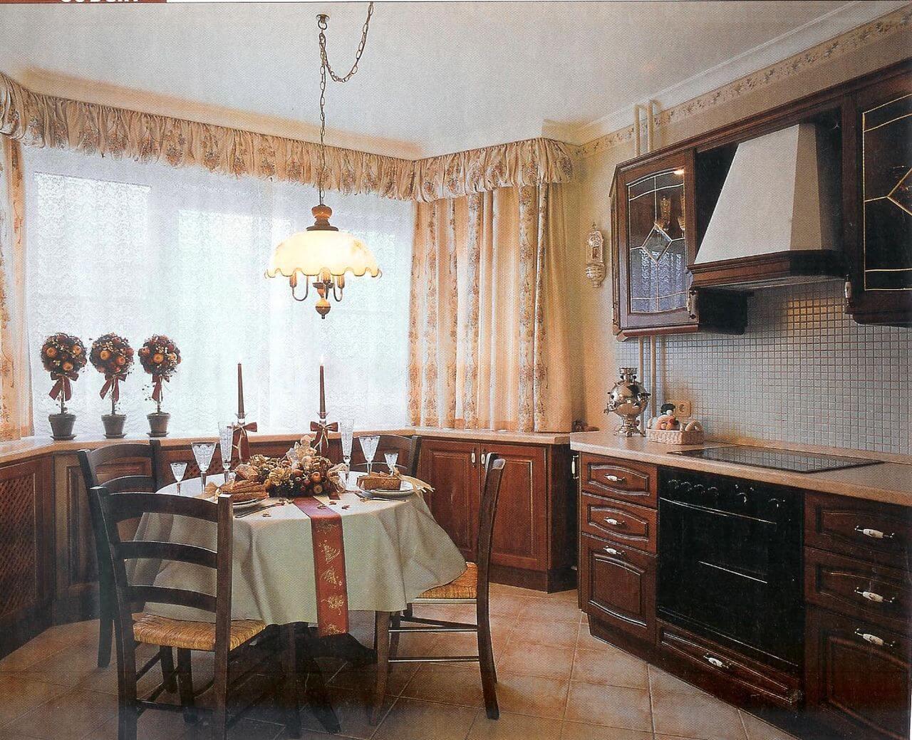 Дизайн кухни с эркером в доме